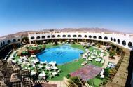 Отель Aida Sharm имеет две территории, состоит из двухэтажных корпусов и предлагает к размещению 298 номеров.
