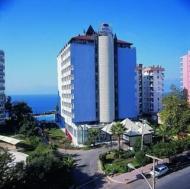 Отель расположен в местечке Лара, в 8 км от аэропорта, в 11 км от центра...